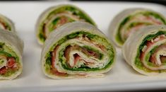 Wraps with raw ham and pesto Healthy Crockpot Recipes, Healthy Dinner Recipes, Diet Recipes, Tapas, Easy Meal Prep, Easy Meals, Creamy Salad Dressing, Slow Cooker Pasta, Blt Wrap