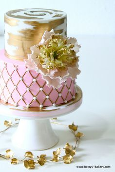 "Wedding Cake ""Pink & Gold"" with open peony & heartshaped gold foliage from www.bettys-bakery.com"