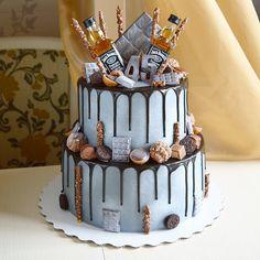 Брутальный тортец в подарок для начальника💪🏻🖤. . Внутри нежнейшая начинка - ванильный с вишней и маскарпоне❤️. Вес 6кг, ярусы 22/16 см. .… 40th Birthday Cakes For Men, Birthday Drip Cake, Funny Birthday Cakes, Birthday Cake For Husband, 40th Cake, Novelty Birthday Cakes, Butter Pecan Cake, Cake Decorating Designs, Drip Cakes