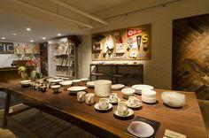栃木・益子焼や福岡・小石原焼など日本の陶器。