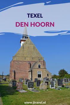 Den Hoorn ligt in het zuiden van Texel. Een deel van Den Hoorn is een beschermd dorpsgezicht. In Den Hoorn staat het mooiste kerkje van Texel. Meer informatie over Den Hoorn lees je hier? Lees je mee? #denhoorn #texel #waddeneiland #nederland #jtravel #jtravelblog