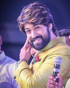 Yash (Kannada Actor) - Yash Ucominh movie is KGF which is produced by Farah Akhtar. Yash first debut movie is Jambada Hudugi Actor Picture, Actor Photo, Celebrity Couples, Celebrity Pictures, Indian Actresses, Actors & Actresses, Sai Pallavi Hd Images, Surya Actor, Vijay Actor