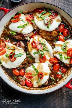 Baked Caprese Chicken Thighs cooked right in a sweet, garlic balsamic glaze with juicy cherry tomatoes, fresh basil and topped with melted mozzarella cheese! Caprese Chicken made over with juicy baked chicken thighs! Many Caprese Chicken recipes Poulet Caprese, Baked Caprese Chicken, Juicy Baked Chicken, Mozzarella Chicken, Balsamic Chicken, Fresh Mozzarella, Balsamic Vinegar, Chicken And Cheese Recipes, Cafe Delites