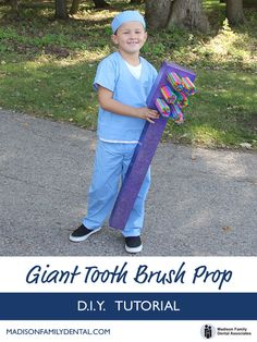 DIY Giant Toothbrush Prop - craft instructions with photos. Perfect pairing with a dentist costume!