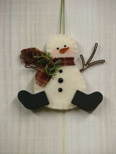 Felt Snowman Ornaments | Christmas Tree: Felt Snowman Ornament