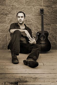 Dave Matthews with guitar @katcook41  this made me think of you!