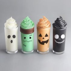 40 Terrific Halloween Food Ideas for a Spooky Halloween Party Fun Drinks, Yummy Drinks, Yummy Food, Colorful Drinks, Bebidas Do Starbucks, Kreative Desserts, Smoothie Cup, Smoothies, Cute Baking