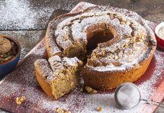 bolo de café com nozes Gourmet Recipes, Sweet Recipes, Cake Recipes, Food Cakes, Cupcake Cakes, Bundt Cakes, Cupcakes, Pistachio Cookies, Bread Cake