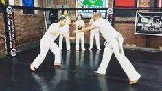 #capoeira #capoeirabrasil #capoeirabrasildtla #dtla #downtownla #takedown #downtownlosangeles #dtlafit  #hqbrand #brazilianmartialart #fitnessaddict #fitness #fit #playhardworkhard #saracuru #capoeiratakedown #tutorial