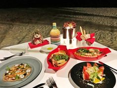 6 Things You Have To Try In Maldives Island - Meloaku Maldives Tour, Visit Maldives, Indian Food Recipes, Italian Recipes, Food For The Gods, Overwater Bungalows, Romantic Dinners, Chinese Restaurant, Japanese Food