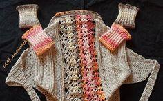 Scaldacuore coprispalle bolero all'uncinetto e calze yoga pilates danza, senza dita e senza tallone ai ferri. Tutto 100% cotone. Crochet bolero and knitted yoga socks. Handmade.