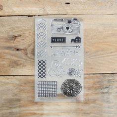 """Pack de sellos """"Love"""" Se vende en: www.mrwonderfulshop.es #Stamp #sellos #scrapbooking"""