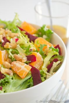 Winter salad #salad #healthy #food danzadefogones.com - ive really been wanting to try salad with fruit like this one!!