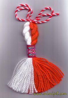 Cozies, Bracelet Tutorial, Bulgaria, Handmade Bracelets, Flower Arrangements, Crochet Necklace, Cross Stitch, Museum, Tutorials