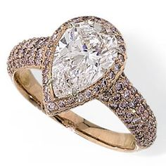 Top 10 Dazzling Pear Diamond Engagement Rings