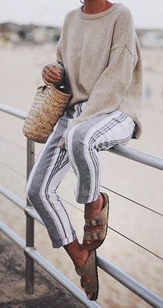 Basic Summer Outfits To Inspire You Sommeroutfits WEBSTA @ Andicsinger - Bondi Comfort Mit Striped Pants ✔️ // . Spring Summer Fashion, Spring Outfits, Winter Outfits, Autumn Fashion, Summer Night Outfits, Fall Beach Outfits, Spring Style, Mode Outfits, Casual Outfits