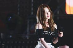 Click the link to meet new kpop fans on the largest kpop community on Discord! Wendy Red Velvet, Red Velvet Irene, Seulgi, South Korean Girls, Korean Girl Groups, Rapper, Jennie Blackpink, Kpop Outfits, Kpop Fashion