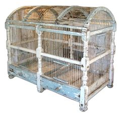 trunk bird cage, want this for my birds! Antique Bird Cages, The Caged Bird Sings, Bird Feathers, Beautiful Birds, Bird Houses, Pet Birds, Decorative Boxes, Shabby Chic, Creations