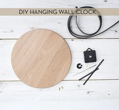 Reuse an old cutting board and turn it into a hanging clock! Tutorial via The Lovely Drawer. diy clock Make It: DIY Wall Clock From Kitchen Cutting Board Hanging Clock, Diy Clock, Diy Hanging, Wall Clock Drawing, White Wall Clocks, Diy Cutting Board, Wall Clock Design, Wood Clocks, Antique Clocks