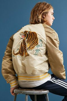 Alpha Industries Tiger Souvenir Jacket - Urban Outfitters Urban Outfitters, Mens Fashion Magazine, Animal Fashion, Men's Fashion, Sporty Style, Outerwear Jackets, Men's Jackets, Looking For Women, Military Jacket