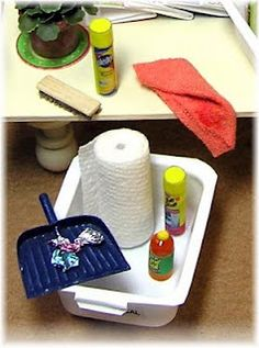 "DYI DOLLHOUSE MINIATURES: Cleaning supply ""caddy"" using a jelly packet from a restaurant"