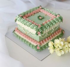 Pretty Birthday Cakes, Pretty Cakes, Beautiful Cakes, Amazing Cakes, Green Birthday Cakes, Fancy Cakes, Mini Cakes, Cupcake Cakes, Cupcakes