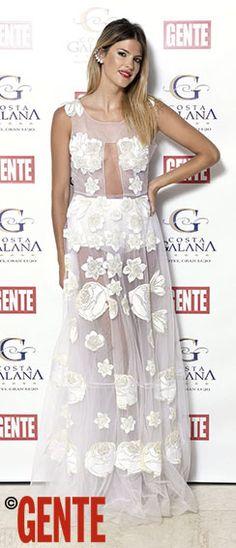 MERY DEL CERRO - Vestido con transparencias y bordados off white de China by Antolín.