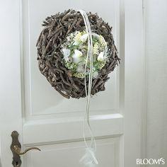 Frühlingskränze mit künstlichen Blumen: Kranz mit floralem Kranzinneren