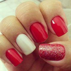 Vermelho, branco e glitter.
