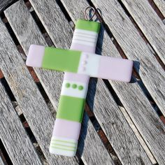 Wall Cross Fused Glass Cross Pink and Green - Nursery Decor Cradle Cross - Baby Shower Gift Fused Glass Jewelry, Fused Glass Art, Mosaic Glass, Glass Tiles, Pink And Green Nursery, Wall Crosses, Cross Designs, Glass Ornaments, Wall Colors