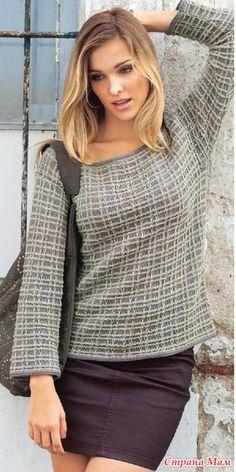 Эффектный, элегантный пуловер, связанный на спицах из двух видов пряжи — однотонной и меланжевой, с узором из снятых петель. Чтобы связать спицами пуловер, понадобится: