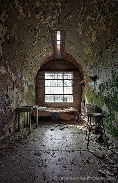 Holmesburg Prison, Philadelphia,PA - photo by Matthew Christopher