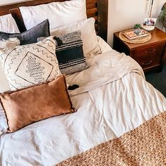 Natalie Williams (@natalie.a.williams) • Instagram photos and videos Natalie Williams, Cushions, Bed, Videos, Photos, Stuff To Buy, Instagram, Home, Style