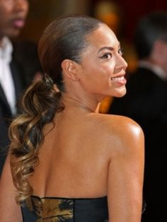 Beyonce - curly ponytail