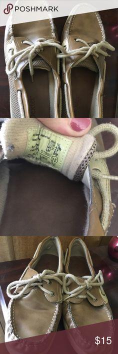 Dexter (Sperrys) shoes. Size 10 Tan Dexters. Look like sperrys. Size 10. Have some wear but still in great condition. Bernie Dexter Shoes