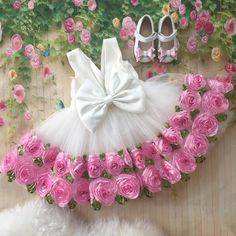 Hi moms, if you are looking for a baby girl dresses designs for your daughter… It provides a lot of latest baby girl clothes designs. And I recommend you a baby frock design for baby or frock design. Tutus For Girls, Little Girl Dresses, Flower Girl Dresses, Dresses Dresses, Fall Dresses, Long Dresses, Dress Long, Nice Dresses, Pagent Dresses