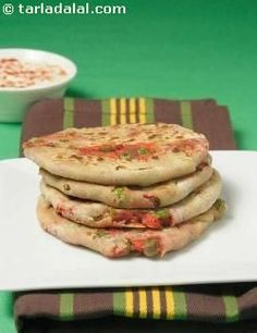 paneer vegetable paratha for kids, toddlers recipe Egg Free Recipes, Baby Food Recipes, Toddler Recipes, Indian Food Recipes, Healthy Recipes, Indian Snacks, Healthy Toddler Meals, Kids Meals, Toddler Food