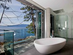 Talk about an open bathroom! This stunning Pender Harbour House enjoys hundreds of miles of shoreline, with magical bay views. Open Bathroom, Dream Bathrooms, Beautiful Bathrooms, Luxury Bathrooms, Bathroom Wall, Master Bathroom, Harbor House, Luxury Living, Interiores Design