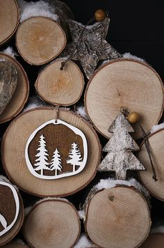 Wooden decorations are ideal for creating a Scandi Christmas look. Mix them with berry reds, cool whites and a touch of frost. There's a selection o. Nordic Christmas, Magical Christmas, Christmas Love, Christmas Pictures, Christmas Crafts, Christmas Ideas, Modern Christmas, Christmas Inspiration, Christmas Nails