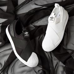 Choose a side? The adidas Originals Superstar Slip On Trainer is available in women's & men's sizes.