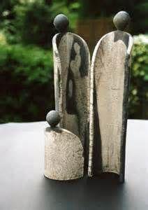 New Free Ceramics sculpture raku Strategies Keramik, Raku Pottery, Pottery Sculpture, Slab Pottery, Sculpture Clay, Pottery Art, Ceramic Figures, Clay Figures, Cerámica Ideas, Sculptures Céramiques