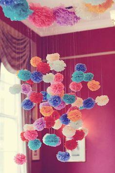 Ideas y material gratis para fiestas y celebraciones Oh My Fiesta!: Decoraciones con pompones o esferas de flores. Tutorial.
