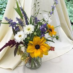 Notes and News from Shady Grove Gardens: 9 Ways to Save on Beautiful Flowers Growing Flowers, Cut Flowers, Fresh Flowers, White Flowers, Beautiful Flowers, Small Milk Bottles, Popular Color Schemes, Flower Subscription, Eucalyptus Garland