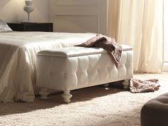 Banquette tapissée. Higher Design, Upholstered Bench, Online Furniture, Furniture Design, Banquettes, Bedside Tables, Bedroom, Interior, Home Decor