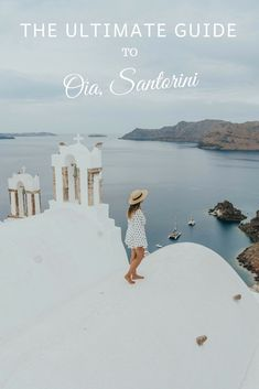 Santorini Travel Guide | Santorini travel tips for anyone who's planning on going to Greece this summer. This guide has the insider scoop on where to eat, stay and play in Oia, along with lots of outfit inspiration. | #santorinitravelguide #santorinitraveltips #Oia #santorini #santorinioutfits