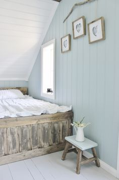 Awesome Idees Decoration Chambre Lambris Peints that you must know, You?re in good company if you?re looking for Idees Decoration Chambre Lambris Peints Attic Rooms, Attic Spaces, Attic Bathroom, Attic House, Attic Apartment, Attic Renovation, Attic Remodel, Home Bedroom, Master Bedroom