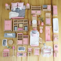 Discover recipes, home ideas, style inspiration and other ideas to try. Barbie House Furniture, Doll Furniture, Dollhouse Furniture, Shaker Furniture, Furniture Vintage, Furniture Plans, Mini Doll House, Barbie Doll House, Barbie Dolls