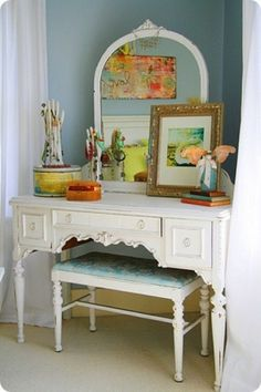 i have always wanted a vanity like this!