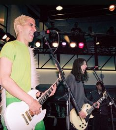 Pat Smear Dave Grohl                                                                                                                                                                                 More