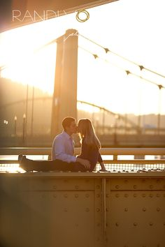 12_Downtown Pittsburgh Engagement Photos_3175